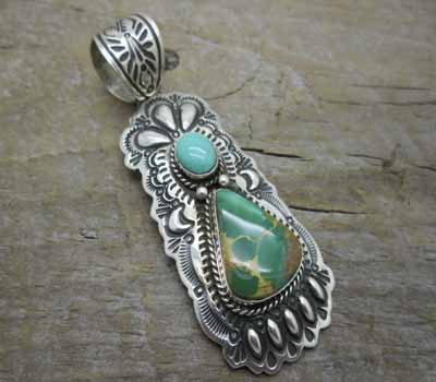 Indian Pendant Turquoise  Bear Claw design- Favorite
