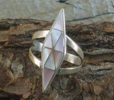 Pink Mussel Shell Native American Ring- sz 7.5