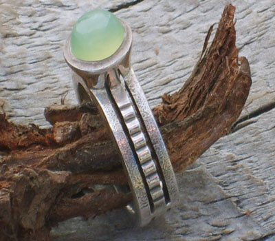 Ring Green Chalcedony  - sz 6