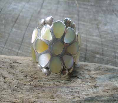 Mother of Pearl ClusterRing- sz 8