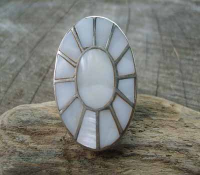 Mother of Pearl Ring- sz 7.5