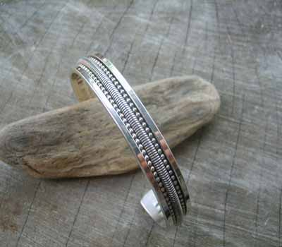 Native American Jewelry Sterling Silver Cuff Bracelet - sz 7